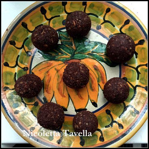 DATE AND PECAN RAW CHOCOLATE TRUFFLES 2